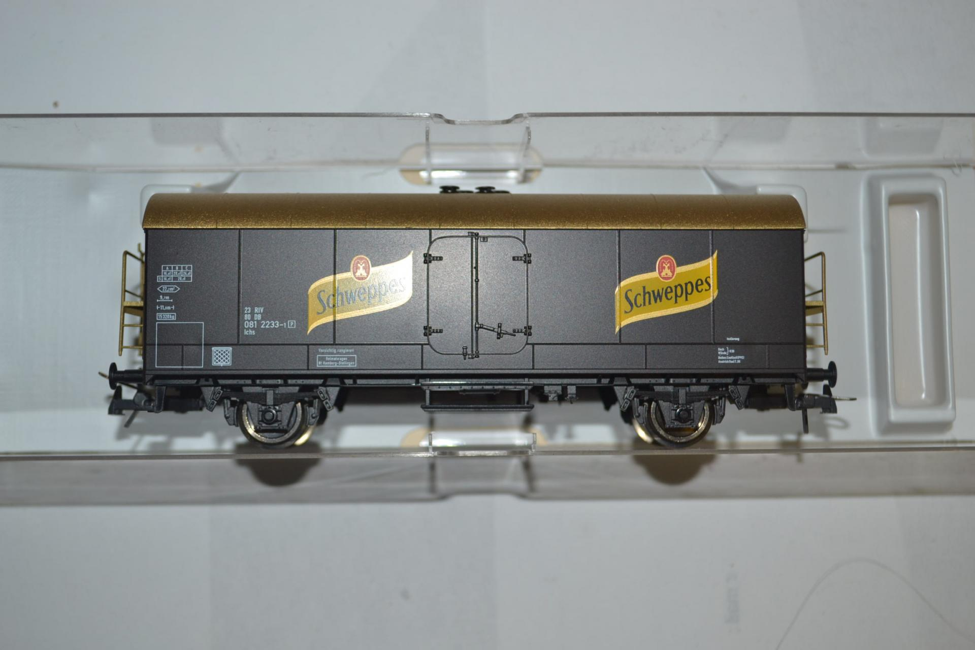 Wagon couvert schweppes